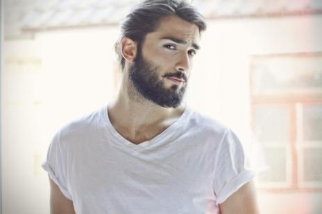 muži s bradou
