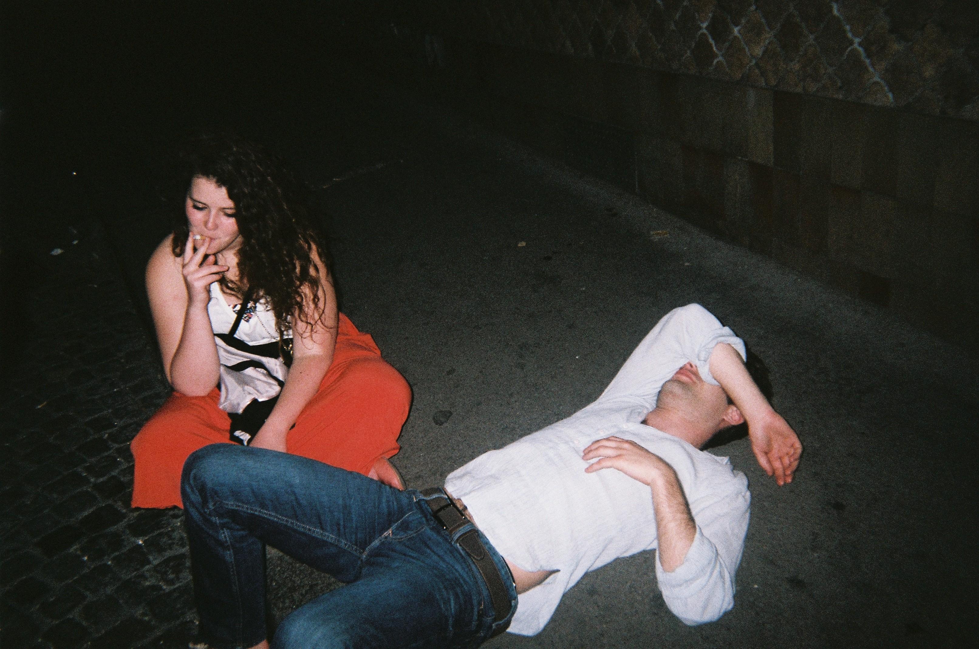 čo robia mladí ľudia v opitom stave?