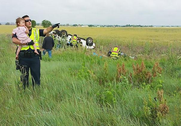 autonehoda policajt