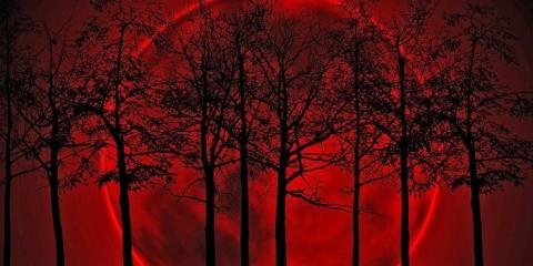krvavý mesiac