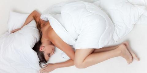 prečo spať nahí