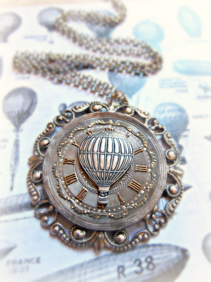This-Mother-Daughter-Duo-Create-One-of-a-Kind-Jewellery-From-Antique-Pocketwatch-Parts2__880