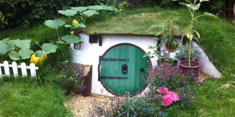 diy-hobbit-house-backyard-ashley-yeates-11