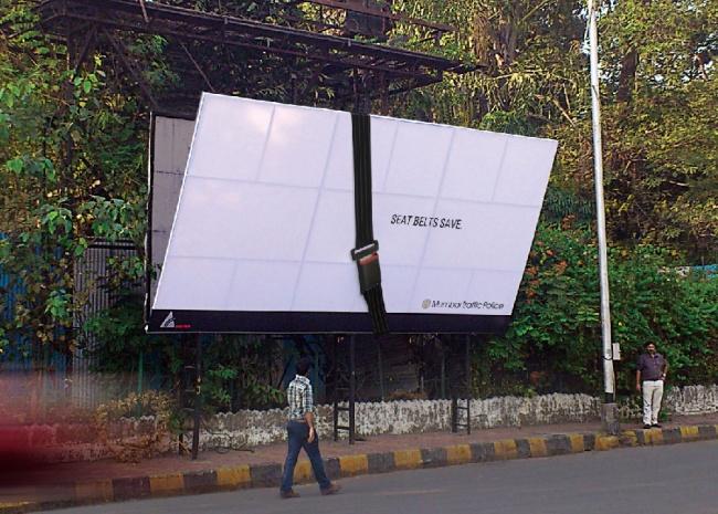 1045305-650-1459579861-Traffic-Police-Mumbai-Falling-seat-belt-hoarding-1