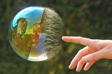 2008955-990-1463748369-5190455-R3L8T8D-990-2012-02-04-perfect-timing-bubble-1009