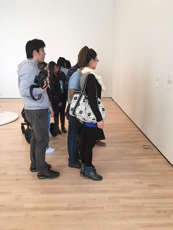 art-gallery-glasses-prank-tj-khayatan-3