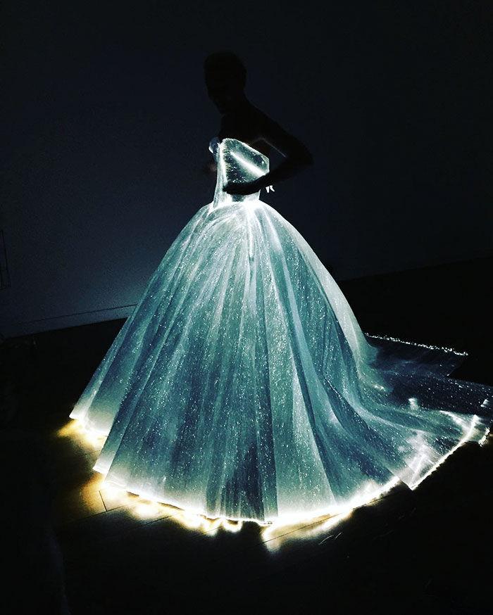 claire-danes-cinderella-glowing-dress-gown-met-gala-zac-posen-13