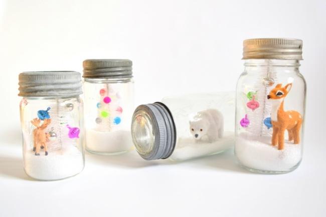 3102605-DIY-Snow-Globes-in-vintage-mason-jars-northstory-1467461255-650-2a1e7b21d6-1467820146