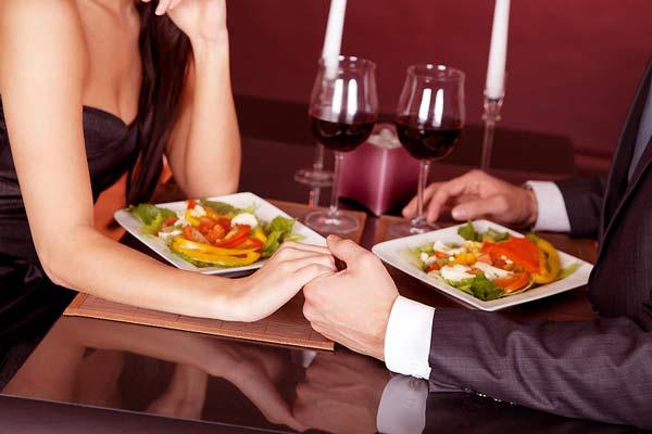 romantic-dinner
