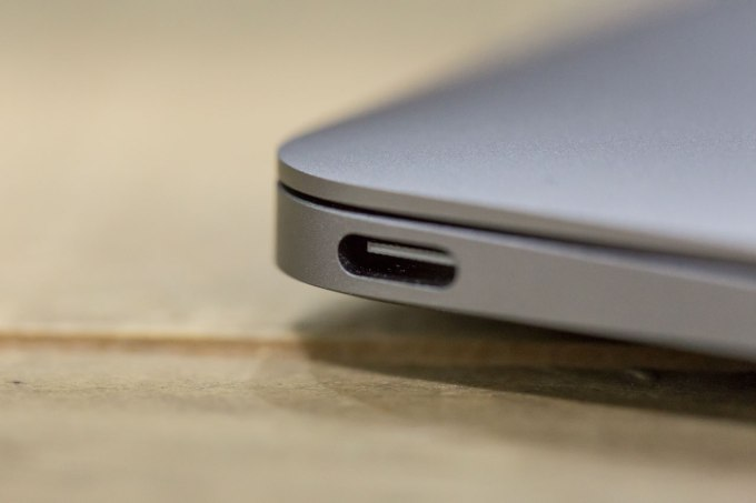 macbook-usb-c-detail