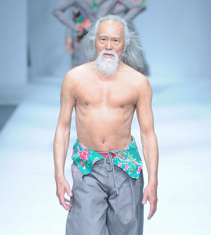 80-year-old-grandpa-tries-modeling-for-the-first-time-and-totally-slays-his-runway-debut-581df6a348b0b__700