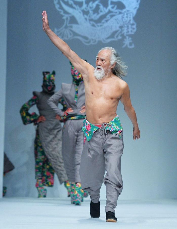 80-year-old-model-grandpa-china-wang-deshun-6-581de8d4a10bd__700
