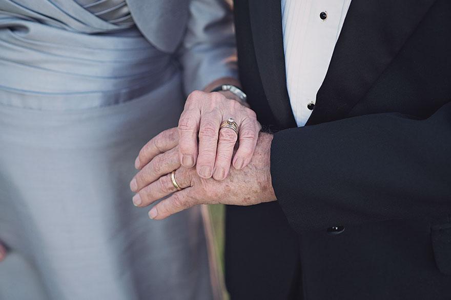 couple-70th-wedding-anniversary-photoshoot-8