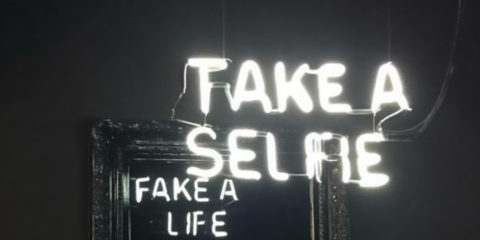neon-mirror-messages-here-not-there-camilo-matiz-4-584fc7291789b__700