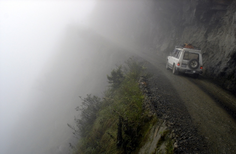 316855-most-dangerous-amazing-roads-in-the-world-north-yungas-road-bolivia-2-900-ab41714c27-1484142741