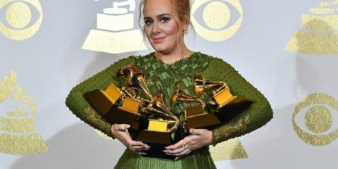 top-fashion-momenty-na-grammy-awards_desktop_67_42