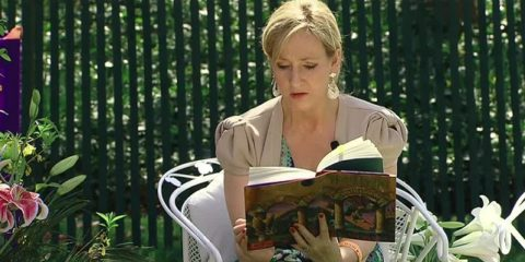 j-_k-_rowling_at_the_white_house_2010-04-05_9