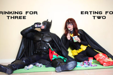 batman-batwoman-pregnancy-announcement-photo-ocularis01-2-58fdc0a5a3ea3__700