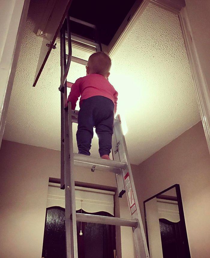 dad-photoshop-kid-dangerous-situations-6-58e5df575bc83__700