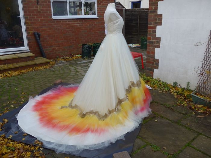 labour-of-love-54-hours-sewing-7-hours-spraying-to-create-this-incredible-dipdye-wedding-dress-5923feea74611__700