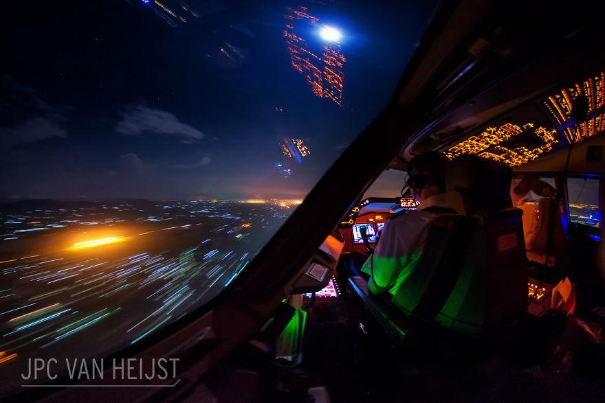 piloti-se-chlubi-ohromujicim-vyhledem-z-kokpitu-letadla6465
