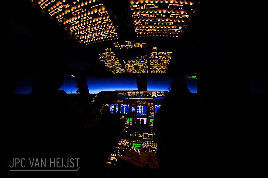 piloti-se-chlubi-ohromujicim-vyhledem-z-kokpitu-letadla8686