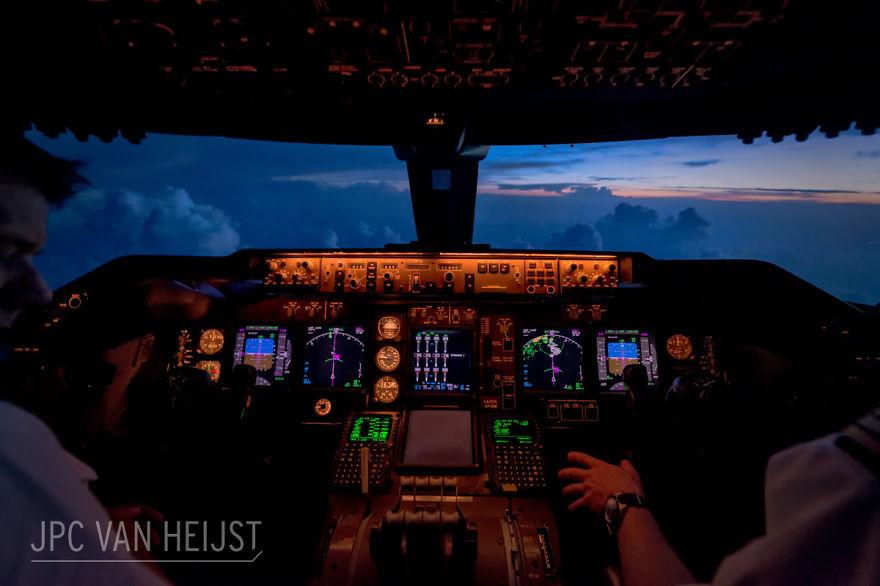 piloti-se-chlubi-ohromujicim-vyhledem-z-kokpitu-letadla8757