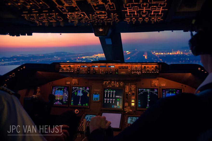piloti-se-chlubi-ohromujicim-vyhledem-z-kokpitu-letadla89987