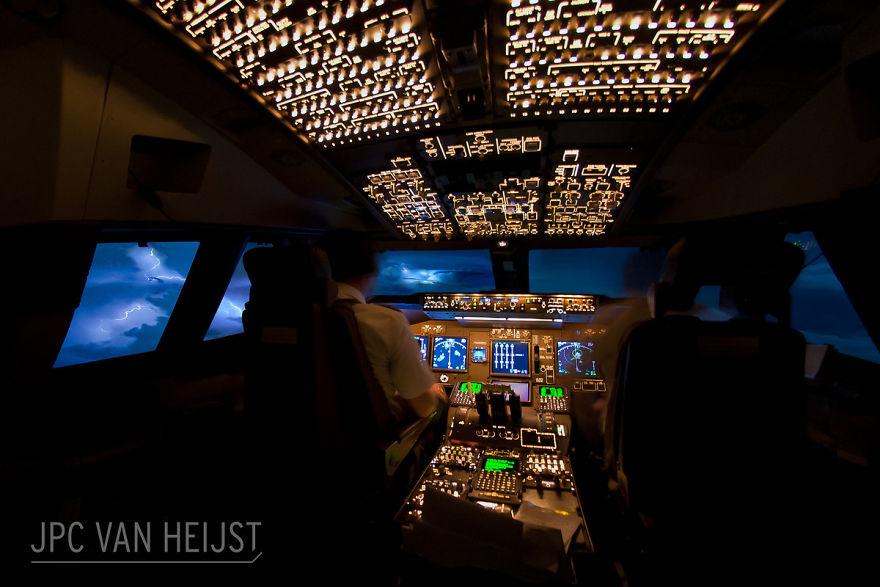 piloti-se-chlubi-ohromujicim-vyhledem-z-kokpitu-letadla90078
