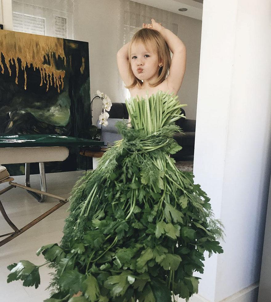 food-optical-illusion-dresses-alya-chaglar-17-595f312fef5c4__880
