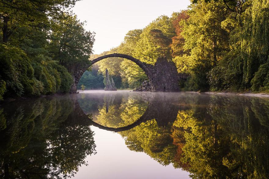 bridge_sunrise3-5991acef2a2f5__880