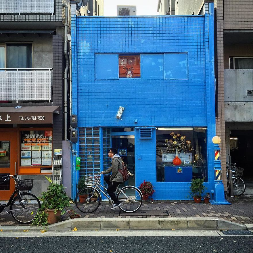 one-photographer-took-over-100-images-of-kyotos-small-yet-utterly-delightful-buildings-59bb90f80b1b3__880