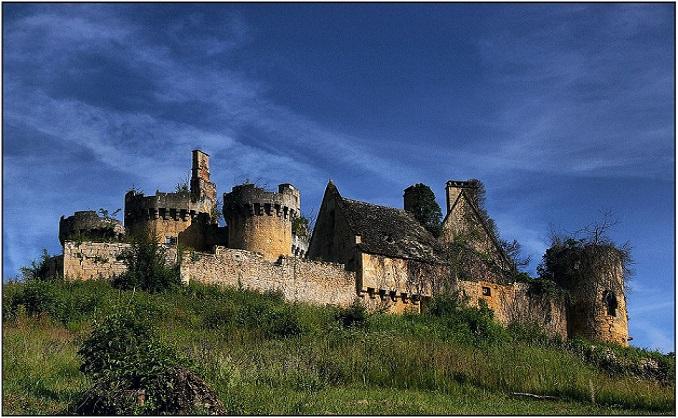 saint-vincent-le-paluel_dordogne_-_03_vue_est-sud-est_chateau_du_paluels