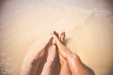 sea-beach-vacation-couple