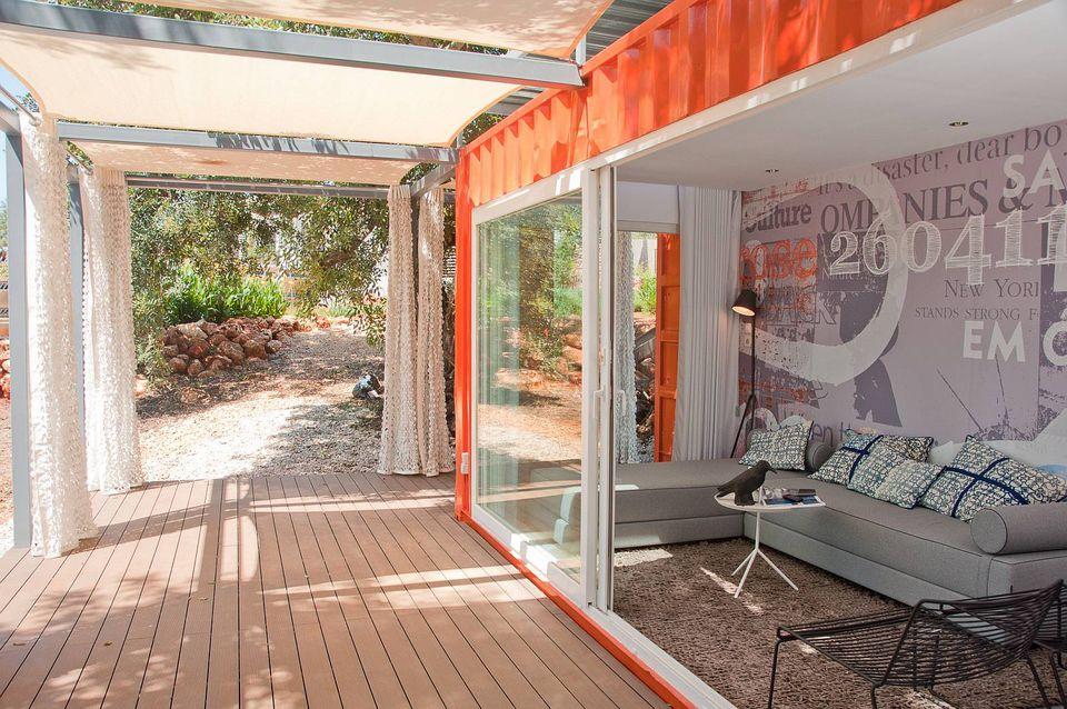 3-studio-arte-nomad-living-interior1-via-smallhousebliss-56a8860a3df78cf7729e8aef