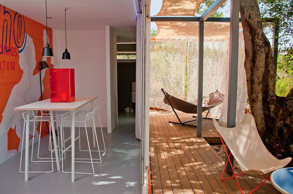 4-studio-arte-nomad-living-interior6-via-smallhousebliss-56a8860b5f9b58b7d0f30ed4