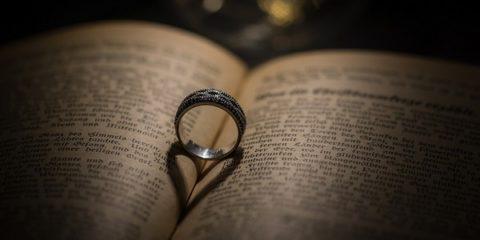 ring-2182944_1280