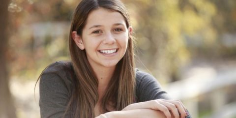 smile_teen_young_teenager_girl_youth_portrait_student-1391382-jpgd