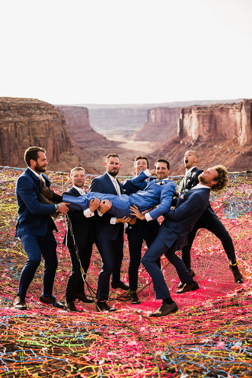marriage-done-at-120-meters-high-will-take-your-breath-away-5a65ac093b286__880