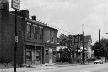 Abandoned_buildings_in_Phoenix_Hill (1)