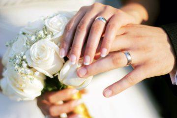 hands_wedding_rings