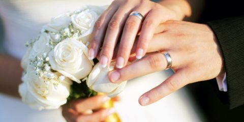 hands_wedding_rings
