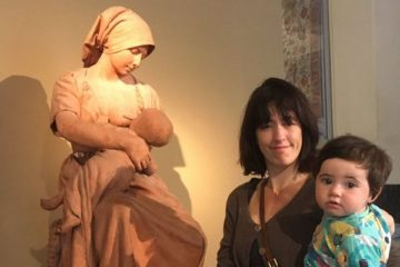 breastfeeding-mom-asked-cover-up-museum-response-vaguechera-coverimage
